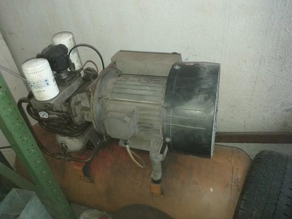 27#5379 Compressore a vite