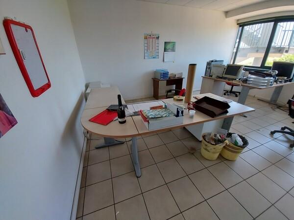 47#5389 Arredi ufficio