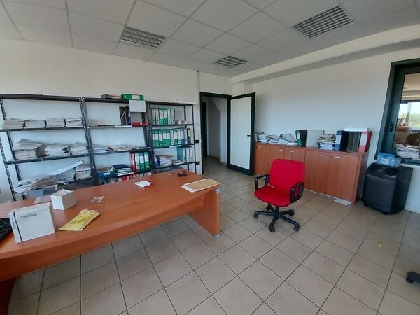 49#5389 Arredi ufficio