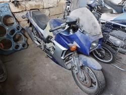 Motociclo Kawasaki ZX 900 - Lotto 11 (Asta 5392)
