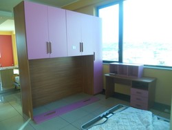Bridge wardrobe with desk and lilac wall units - Lot 18 (Auction 5419)
