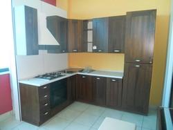 Corner kitchen in walnut - Lot 4 (Auction 5419)