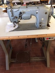 Durkropp 212 sewing machine - Lot 11 (Auction 5422)
