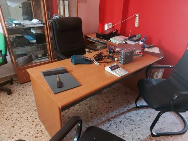 Immagine n. 3 - 1#5424 Arredi ed attrezzature da ufficio