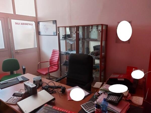 Immagine n. 38 - 1#5424 Arredi ed attrezzature da ufficio