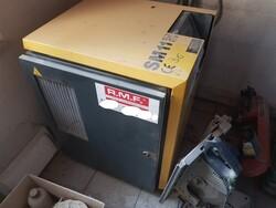 Compressore Kaeser ed essiccatore Hiross - Lotto 17 (Asta 5441)
