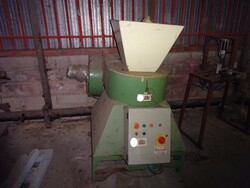 Mios eccentri press and D.B granulator for foam rubber - Auction 5458