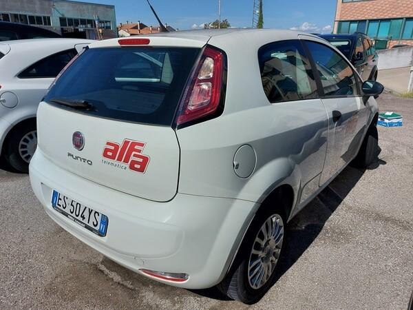 Immagine n. 3 - 13#5479 Autocarro Fiat Punto Evo