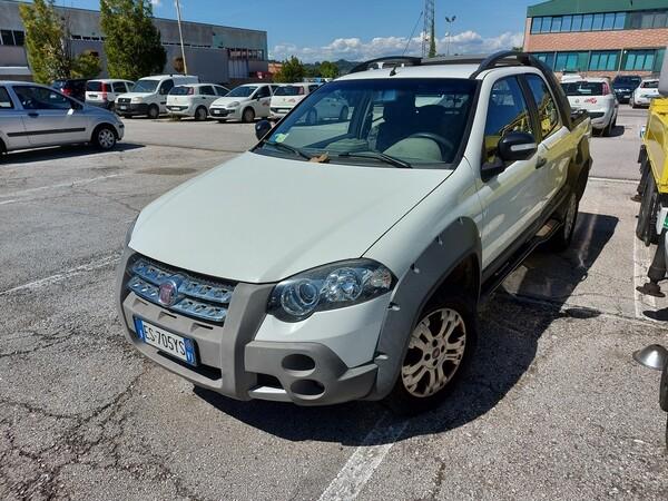 21#5479 Autocarro Fiat Strada Adventures