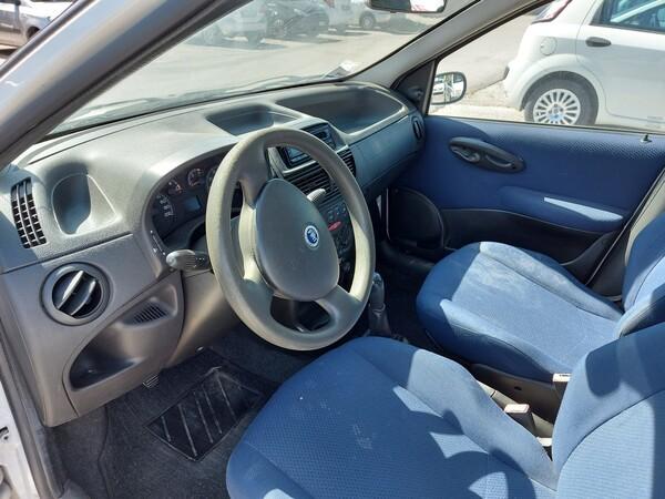 Immagine n. 12 - 3#5479 Autocarro Fiat Punto