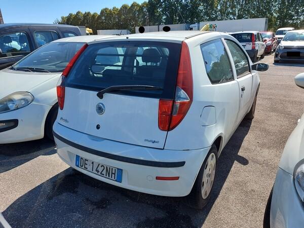 Immagine n. 3 - 4#5479 Autocarro Fiat Punto