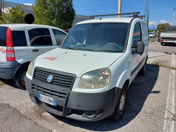 5#5479 Autocarro Fiat Doblò