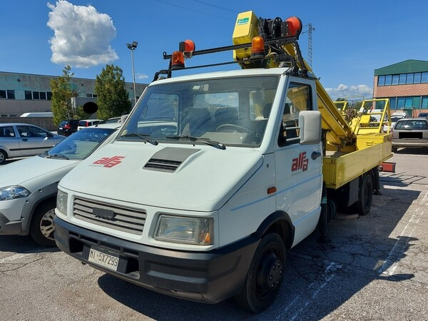 Immagine n. 1 - 7#5479 Veicolo Iveco Daily