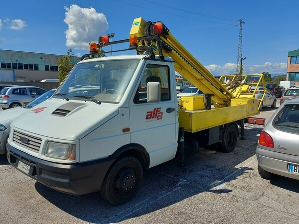 Immagine n. 2 - 7#5479 Veicolo Iveco Daily