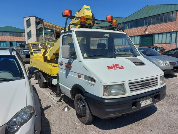 Immagine n. 4 - 7#5479 Veicolo Iveco Daily