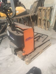 Icem pallet truck - Lot 15 (Auction 5482)