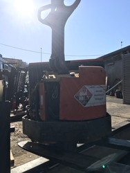 Toyota BT pallet truck - Lot 3 (Auction 5482)