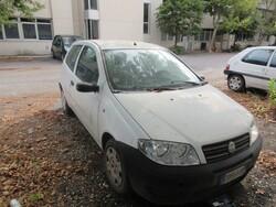 Fiat Punto car - Lot 64 (Auction 5491)
