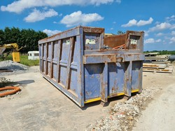 Locatelli roll off container - Lot 4 (Auction 5500)