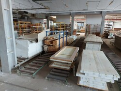 Warehouse of wooden doors and raw materials - Lot 1 (Auction 5519)