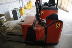 Electric pallet truck BT - Lot 10 (Auction 5528)