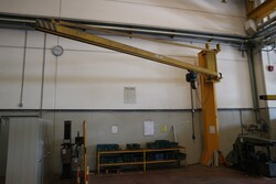 Meloni jib cranes - Lot 73 (Auction 5528)