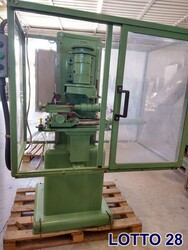 Cresting milling machine - Lot 28 (Auction 5533)