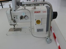 Effeci and Pfaff sewing machines - Lot 3 (Auction 5535)