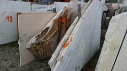Bianco statuario and rosa portogallo marble slabs - Lote 553 (Subasta 5538)