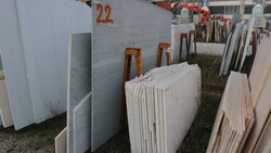 Calcite azul and rosso alicante marble slabs - Lote 555 (Subasta 5538)