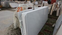 Bianco statuario and antique gold marble slabs - Lote 556 (Subasta 5538)