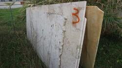 Perlato di Sicilia marble slabs and white onyx - Lote 566 (Subasta 5538)