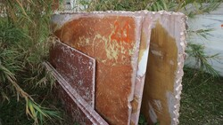 Rosso francia marble slabs and white onyx - Lote 572 (Subasta 5538)