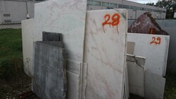 Portugal pink marble and azul macaubas slabs - Lote 574 (Subasta 5538)