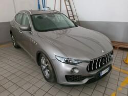 Autovettura Maserati Levante V6
