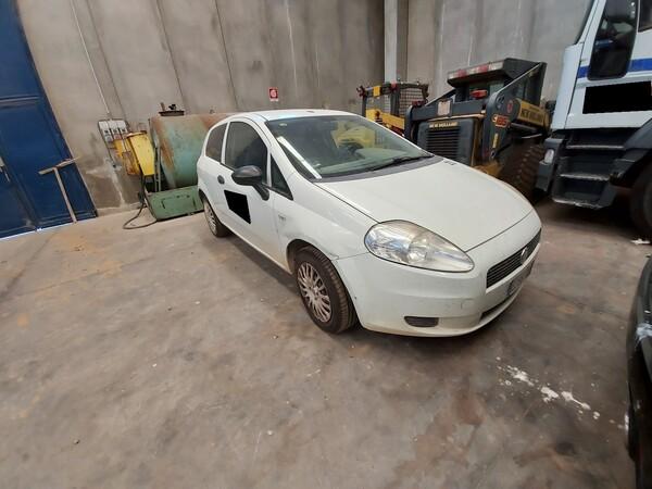 16#5562 Autocarro Fiat Punto Van