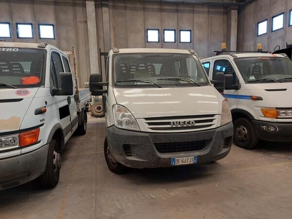 17#5562 Autocarro Iveco Daily