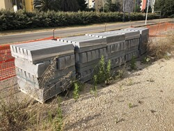Road constructions in concrete - Lot 42 (Auction 5562)