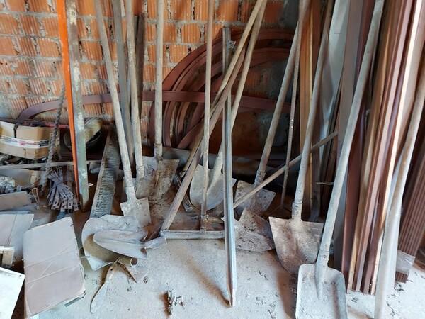 1#5566 Attrezzature e materiali da cantiere in vendita - foto 1
