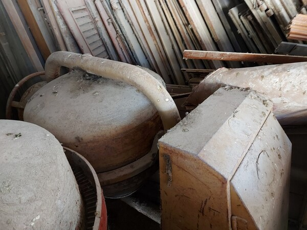 1#5566 Attrezzature e materiali da cantiere in vendita - foto 84