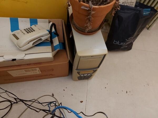 4#5566 Mobili e attrezzature da ufficio in vendita - foto 8