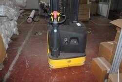 OM electric pallet truck - Lot 3 (Auction 5571)