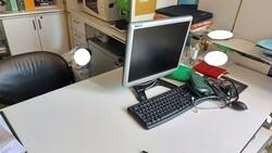 Arredi e attrezzature elettroniche da ufficio