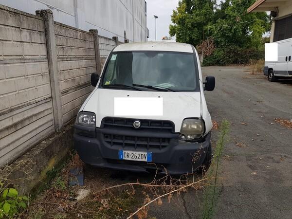 26#5580 Autocarro Fiat Doblò