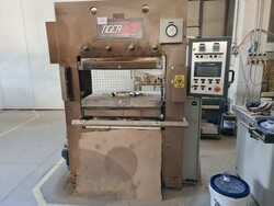 Olimpia Titano aspirated bench and Tiger hydraulic press - Lot 5 (Auction 5592)