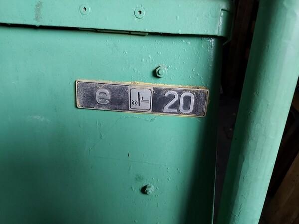 3#5598 Carrello elevatore con caricabatterie in vendita - foto 2