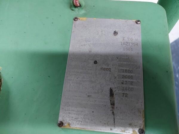 3#5598 Carrello elevatore con caricabatterie in vendita - foto 4