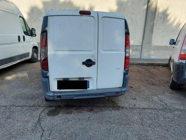 1#5610 Autocarro Fiat Doblò e autovettura Volkswagen in vendita - foto 29