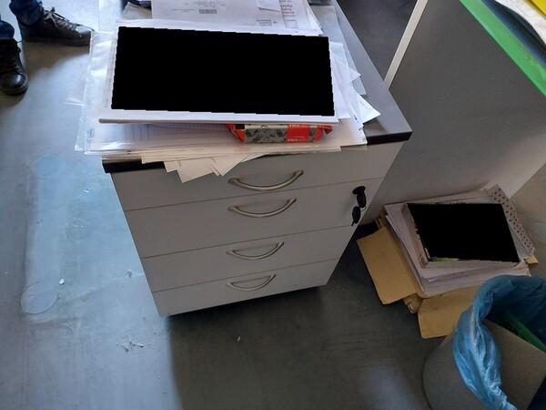 10#5611 Arredi e attrezzature elettroniche da ufficio in vendita - foto 25