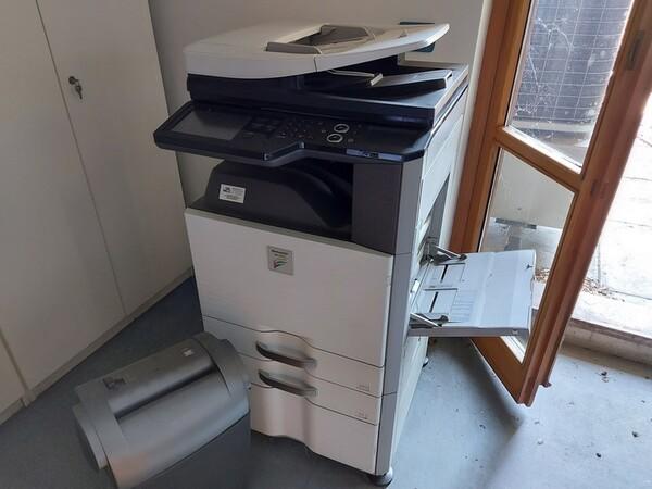 10#5611 Arredi e attrezzature elettroniche da ufficio in vendita - foto 55